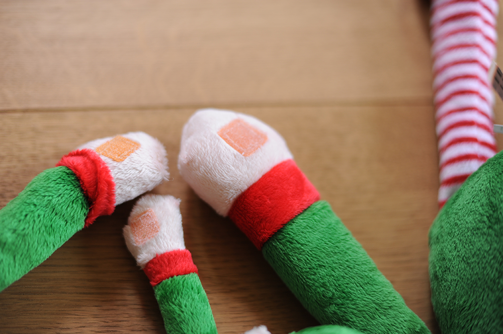 Elf velcro hands
